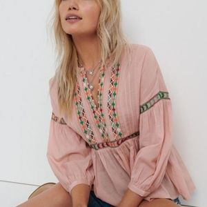 NWT Lucky Brand Peach Embroidered Peasant Top